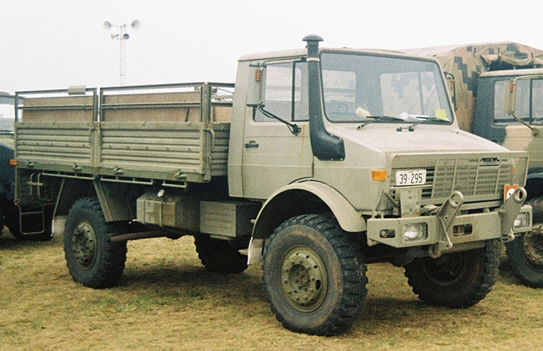 old surplus military vehicles for sale autos post. Black Bedroom Furniture Sets. Home Design Ideas