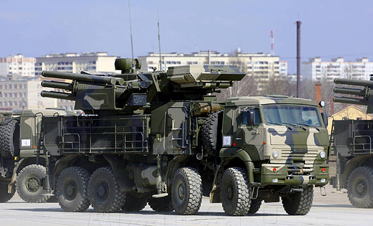 OUR PICTORIAL PAGE  - Page 2 KBP-96K6-72V6-Pantsir-S1-SPAAGM-KAMAZ-6530-2S