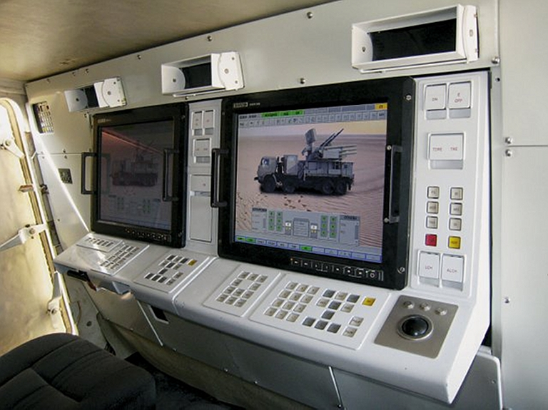 OUR PICTORIAL PAGE  - Page 2 KBP-96K6-72V6-Pantsir-S1-SPAAGM-MGyurosi-2S