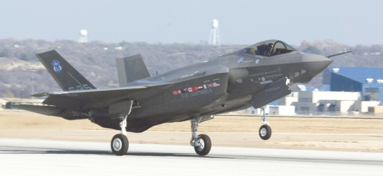Lockheed-Martin F-35 Lightning II Joint Strike Fighter