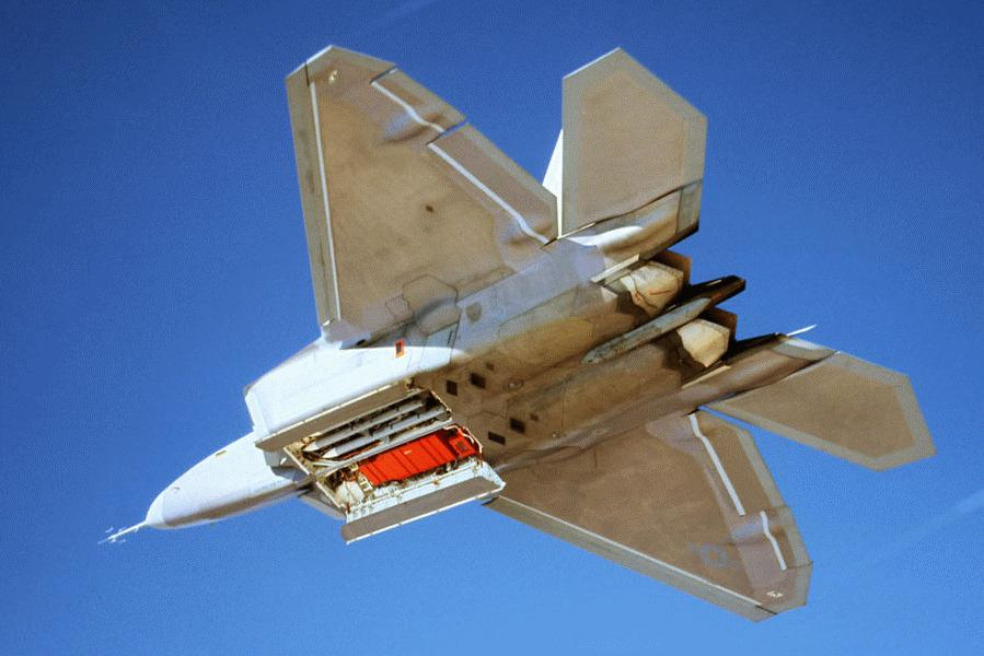 F/A-22A internal AIM-120C
